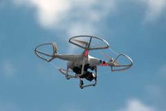 Un drone en acción (Foto J. Paladino)