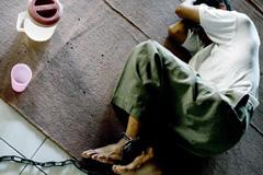 Práctica degradante (Foto EPA/WEDA)