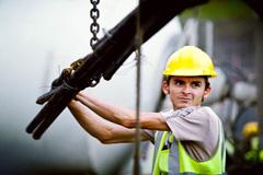 El trabajo escasea para los jóvenes (Foto WB)