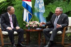 Ban Ki-moon y Raúl Castro (Foto UN)