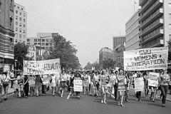 Primeras luchas de las mujeres (ILO)