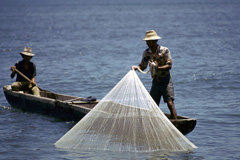 Pescadores artesanales afectados  por pesca ilegal.