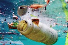 Basura plástica en los océanos (UN)