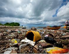 La creciente cantidad global de basura amenaza el medio ambiente y la salud