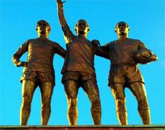 estatuas de futbolistas