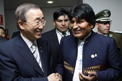 Ban Ki-moon y Evo Morales (Foto UN/ E. Schneider)