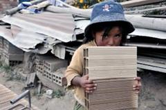 El pudor de una niña trabajando (Foto ILO)