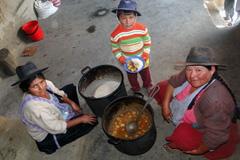 Familia indígena boliviana (Foto PAM)