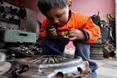 Niños obligados a trabajar (Foto ILO)