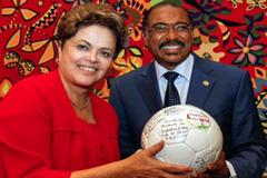 Dilma Rouseff, presidenta de Brasil y Michel Sidibé, director de ONUSIDA.
