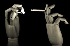 Otra forma de fumar (Foto Martínez)