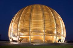 El globo de la ciencia del CERN (F.LDD)