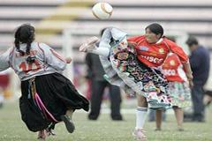 Fútbol femenino en el Altiplano (UN)