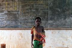 Los pobres con menos recursos para educarse.