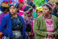 Mujeres en un mercado de Guatemala (WB)