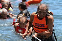 Inundaciones: rescate de ancianos (UN)