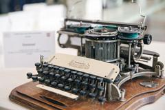 La máquina de escribir es hoy reliquia (ITU)