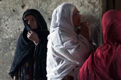 Difícil situación económica de las viudas (UN)