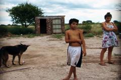Un objetivo es erradicar la pobreza (WB)
