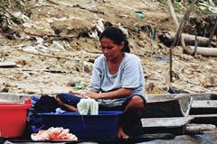La inequidad golpea a las mujeres (WB)