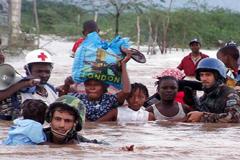 Equipos de rescate en acción (UN)