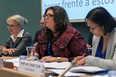 Pocas mujeres en los parlamentos (ILO)