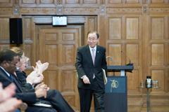 Ban Ki-moon en el tribunal de La Haya (UN)