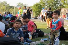 Urge proteger niños refugiados (OIM)