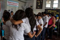 Adolescentes Salvadoreños