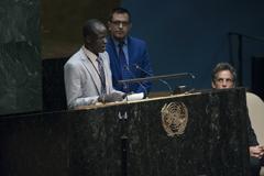 La Tregua Olímpica y su mensaje de paz inspiran a un corredor refugiado