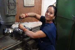 Nuevas evaluaciones en línea ayudan a los trabajadores migrantes a evitar los contratistas sin escrúpulos