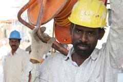 Migración : Las remesas familiares, una contribución que supera la ayuda al desarrollo