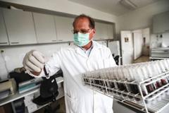 Los países intensifican sus esfuerzos para combatir la resistencia a los antimicrobianos