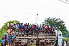 Los migrantes guatemaltecos sufren abusos no solo de las pandillas, también de los funcionarios