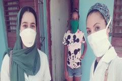 Becadas por Cuba para ser doctoras, ahora ayudan a luchar contra el coronavirus en la isla